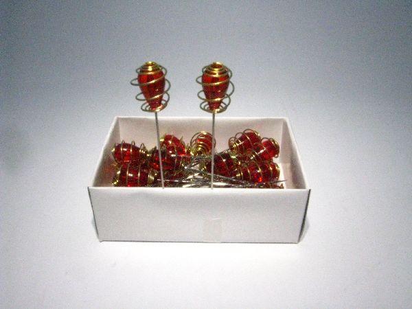 Nadel mit Ornament aus Acryl ROT 36 Stück